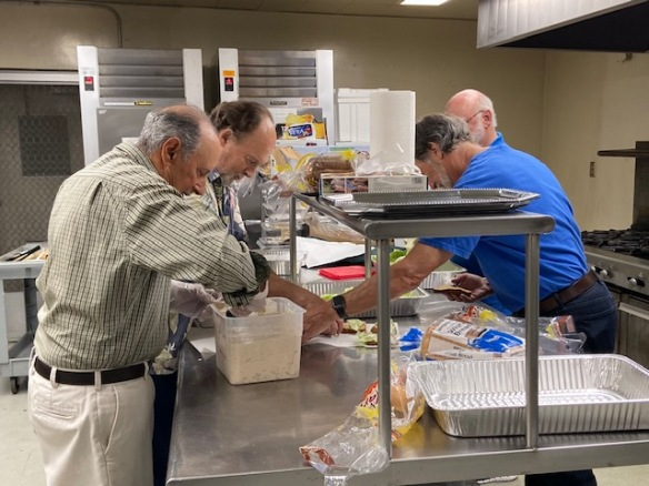 Image of the volunteers in the kitchen